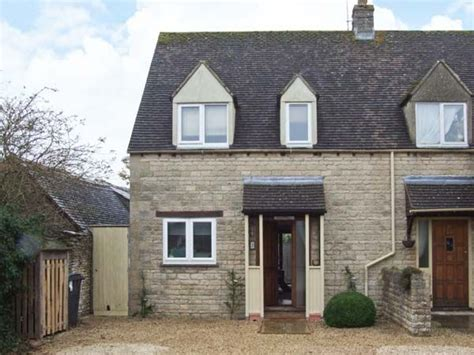 sykes cottages cotswolds hour cottage stow on the wold self catering