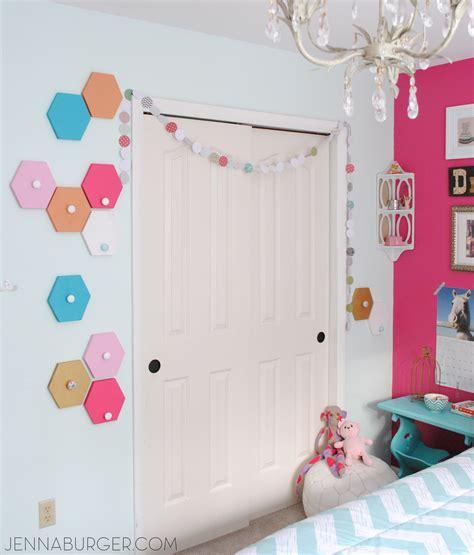 Kid Bedroom Ideas fun wall hooks home decor