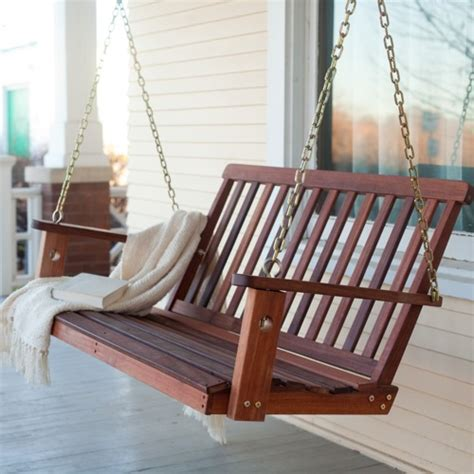 veranda schaukel perfekte holz schaukel im garten 10 coole aktuelle ideen