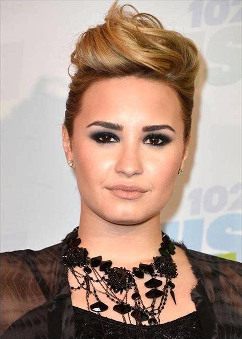 biography of demi lovato wikipedia demi lovato favorite color movie book food hobbies biography