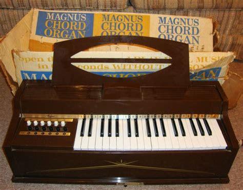 Electronic Organ Hello vintage magnus model 481 electric organ 12 chord 22 key in original box works models my