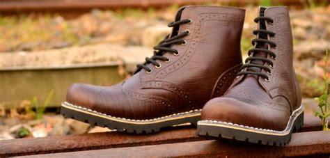 Sepatu Kets Bahan Kulit cara merawat sepatu kulit asli sintetis dan suede