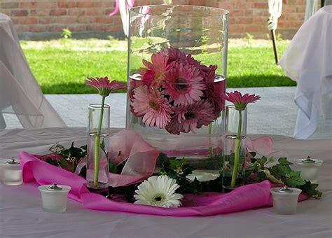 Gerber Daisy Wedding Ideas   View our photobook of