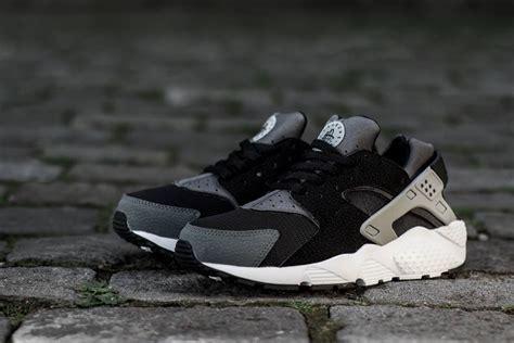 Nike Huarache Black by Nike Air Huarache Gs Black Grey White Sneakernews