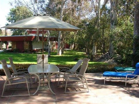 clothing optional bed and breakfast outdoor dining area foto di arroyo del sol clothing optional bed and breakfast