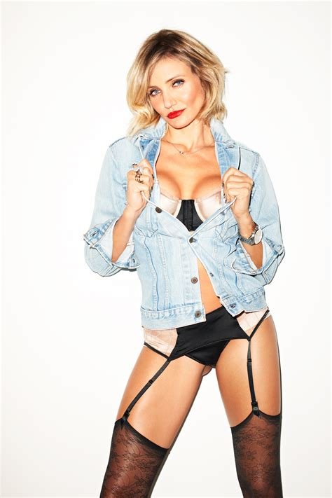 Cameron Diaz Forgets Bra by Cameron Diaz Weight Height Bra Size Figure Size