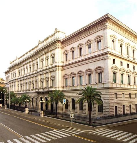 tassi interesse banche d italia calano i tassi d interesse ma aumentano