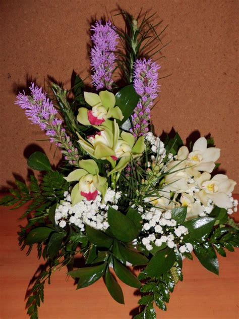 fiori uncinetto per bomboniere bomboniere uncinetto battesimo composizioni floreali con