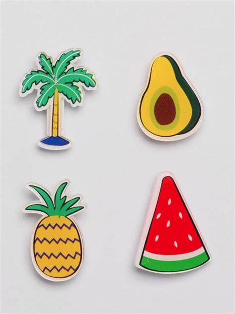 cómo decorar tu ropa accesorios decora tu ropa con pines y parches