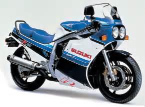 Suzuki Gsxr750 Top Of The Line Sport Bikes The Suzuki Gsxr Series Auto