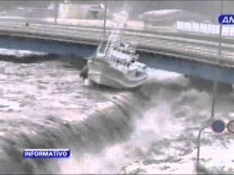 imagenes tsunami en japon impactantes im 225 genes de tsunami en jap 243 n youtube