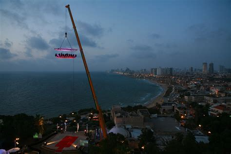 The La by Dinner In The Sky Is Coming To La In July Boing Boing