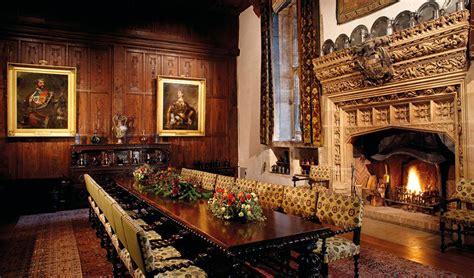 castle room boleyn s bedroom and prayer books hever castle