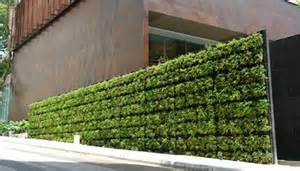 Vertical Wall Sconce An Edible Living Wall By Tournesol Siteworks 3rings