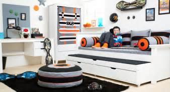 jugendzimmer bett kojenbett mit g 228 stebett schubladen aus kiefer skater