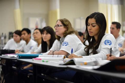 colleges that offer nursing some california community colleges could soon start