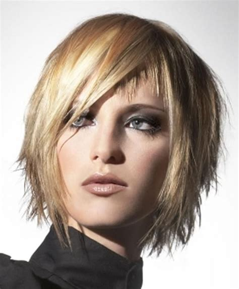trendy hairstyles for women with long chins excellent chin length layered bob hair style 7