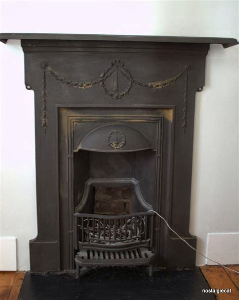 Removing Tile From Fireplace Surround by Best 25 Cast Iron Fireplace Ideas On