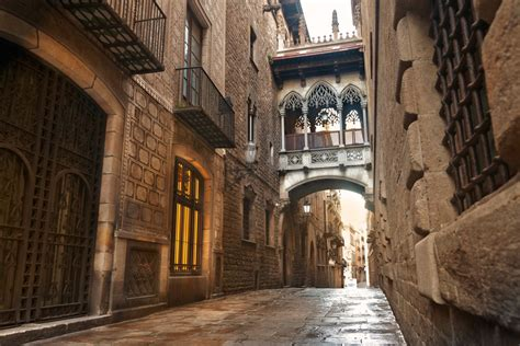 barcelona gothic quarter barri gotic barcelona spain attractions