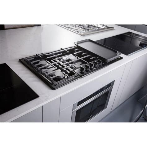 bosch 800 gas cooktop bosch 800 series ngm8665uc 36 in gas cooktop in black
