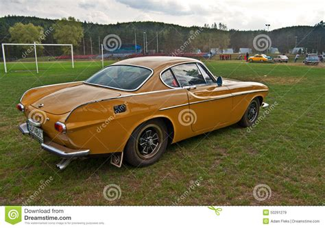 volvo p1800 race car vintage volvo p1800 e during cars race editorial stock