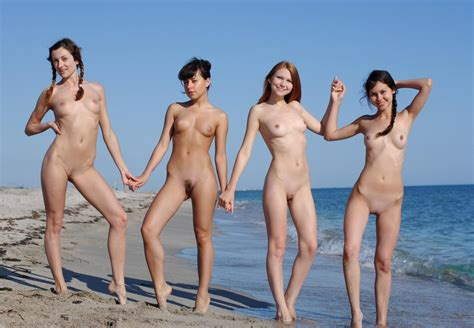 Family Strips Naked Vacation