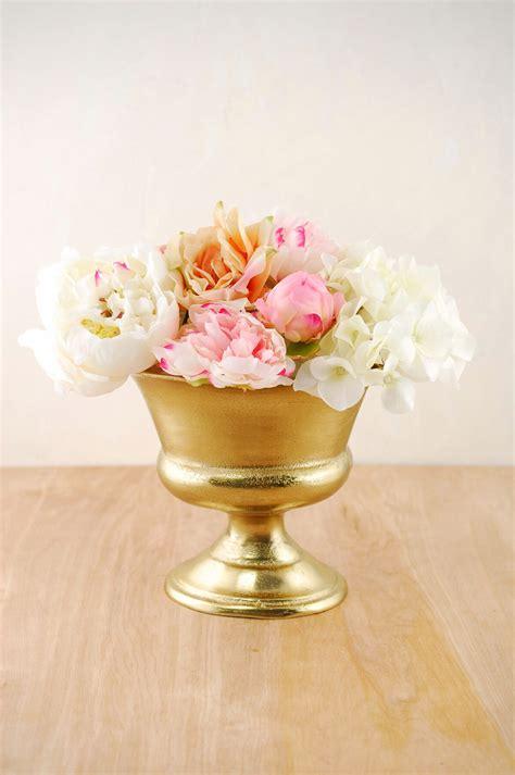 gold metal prestige urn