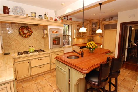 Kitchen Design Ideas With Island by Warm Farmhouse Kitchen Cabinets By Graber