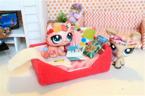 lps beds lps diy dogbed how to make a doll dog bed youtube