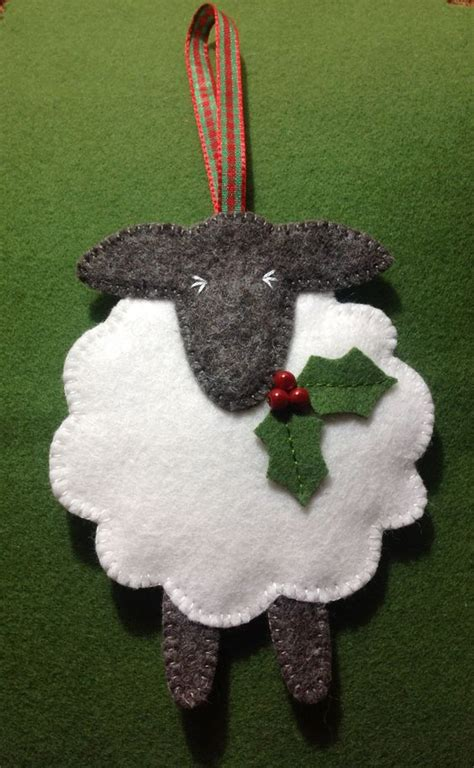 festive felt sheep christmas ornament might have to make