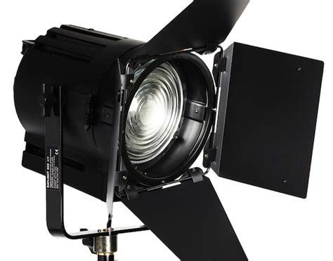 lupo illuminatori dayled 1000 fresnel led attrezzature professionali