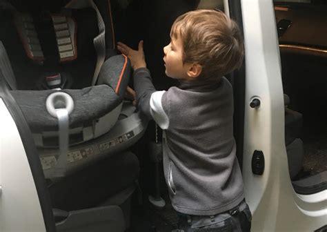 Kindersitz Auto Drehbar by Britax R 246 Mer Dualfix Test Bewertung Info Drehbarer