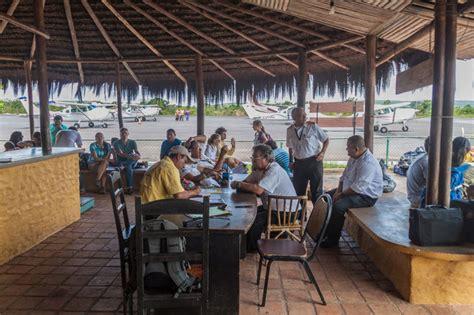 Kursi Pijat Berapa 10 cara menghilangkan bosan saat terkena delay di bandara reservasi travel