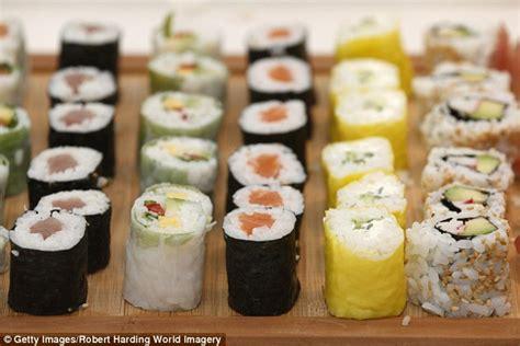 lena dunham sushi liberal students at lena dunham s college object to