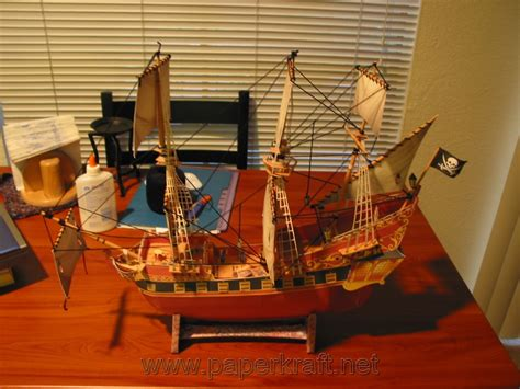 Papercraft Pirate Ship - free papercraft and paper model wench papercraft