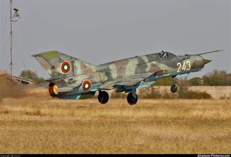 the bulgarian air force 243 bulgaria air force mikoyan gurevich mig 21bis at plovdiv krumovo photo id 154990