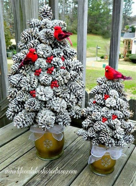 pine cone crafts for christmas diy pine cone crafts to decorate your home home design garden architecture magazine