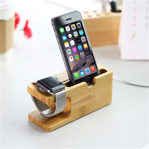 Tempat Dudukan Hp Saat Di Charger holder smartphone kayu holder hp dengan desain unik