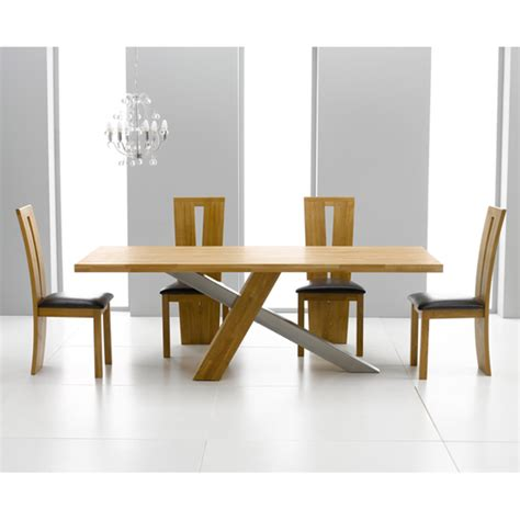 buying tips for dining table and chairs in light oak