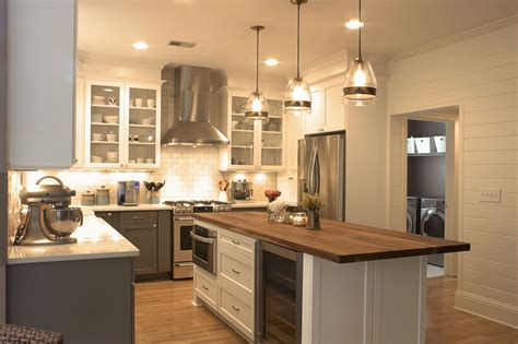 Bottom Kitchen Cabinets by Stove And Fan Platinum Kitchens White Cabinets
