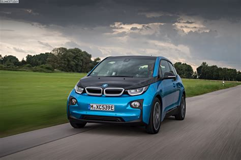 bmw i3 bmw i3 wins golden steering wheel award in germany