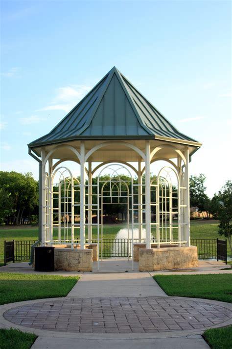 Grand Prairie Memorial Gardens by Grand Prairie Memorial Gardens And Mausoleum Jst Architects