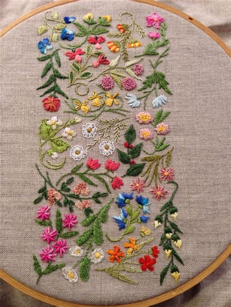 embroidery flowers best 25 flower embroidery ideas on