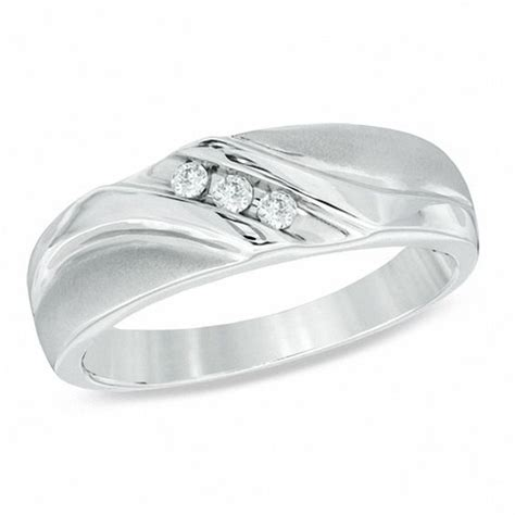 s 1 8 ct t w three wedding band in 10k