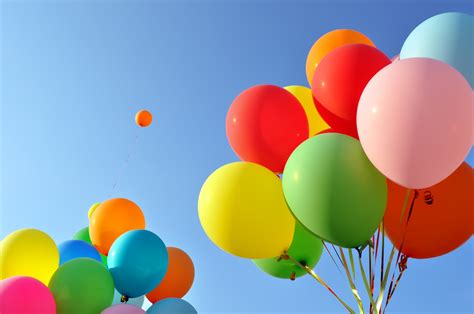 colorful balloons wallpaper balloons colorful clear sky 4k photography