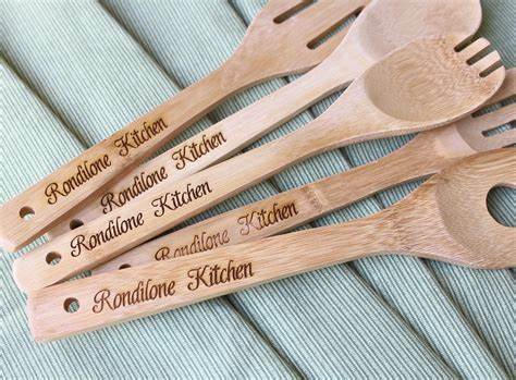 kitchen gift ideas for mom wood spoons 5 personalized bridal shower gift bridal party