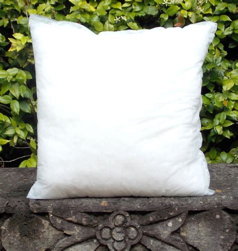 18 X 18 Pillow Inserts by Ins 18p 18 Quot X 18 Quot Poly Filled Pillow Insert Fresco Fabrics
