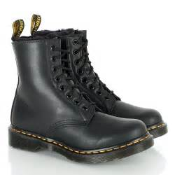 View all boots view all dr martens boots view all dr martens black