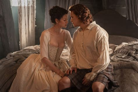 wedding night post premiere official photos from outlander episode 107 quot the wedding quot outlander tv news