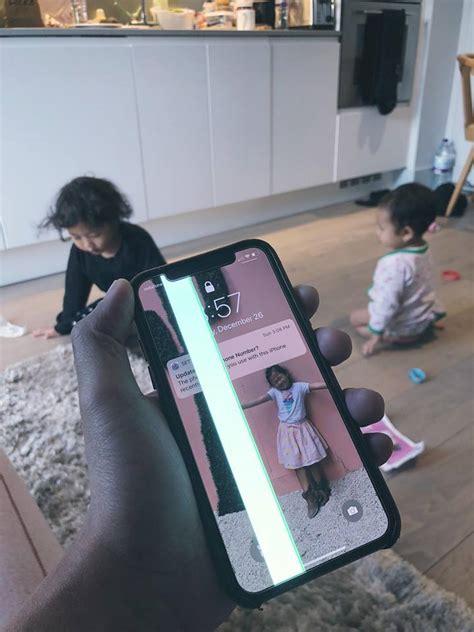 dibanting anak layar iphone  rusak